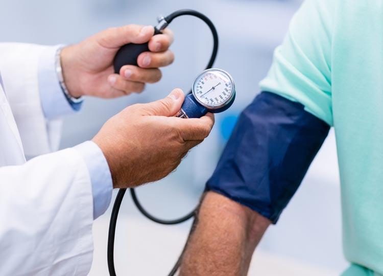 Regular Health Checks for Employers & Employees / Mediright